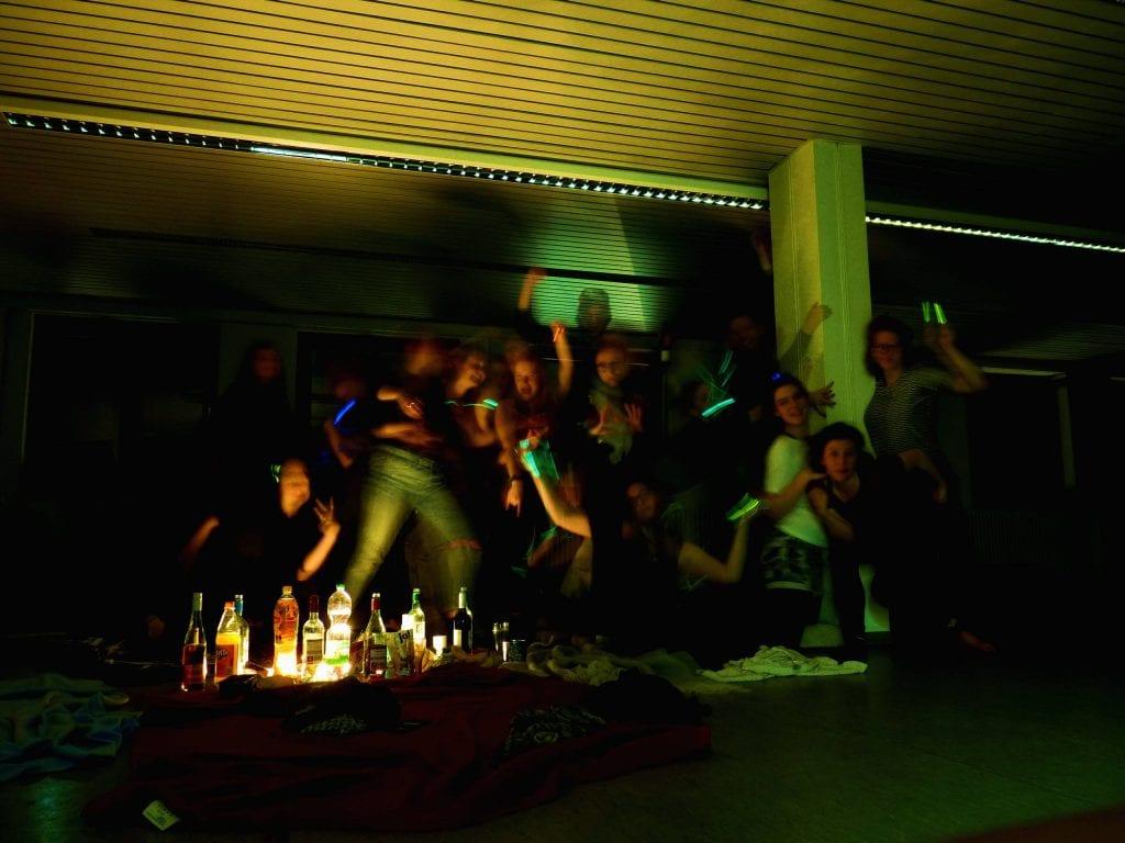 68er BEWEGUNG - choreografierte Politik // politische Choreografie