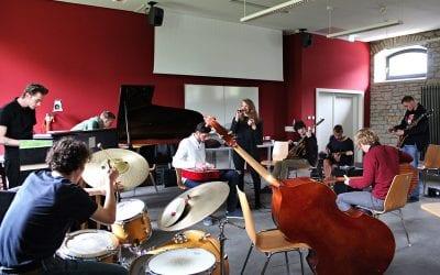 FREE! Radikal und widerständig: Freie Musik und die Ästhetik des Augenblicks