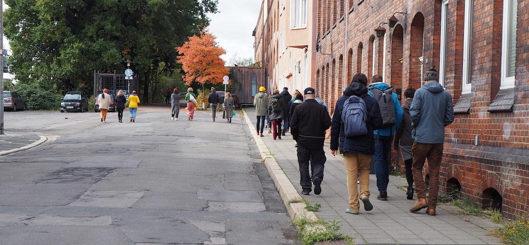 Die Gruppe auf dem Weg durch die Nordstadt
